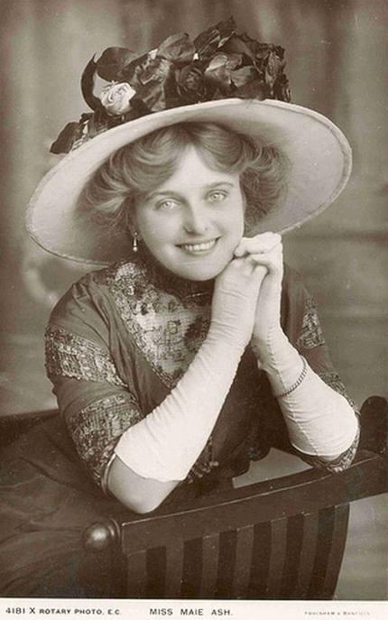 07 Gambar Gambar Wanita Tercantik 100 Tahun Dulu