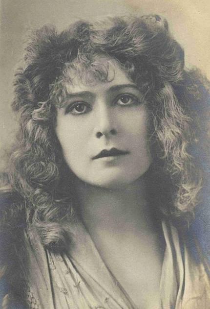 10 Gambar Gambar Wanita Tercantik 100 Tahun Dulu