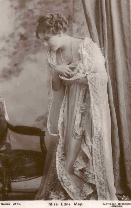 19 Gambar Gambar Wanita Tercantik 100 Tahun Dulu
