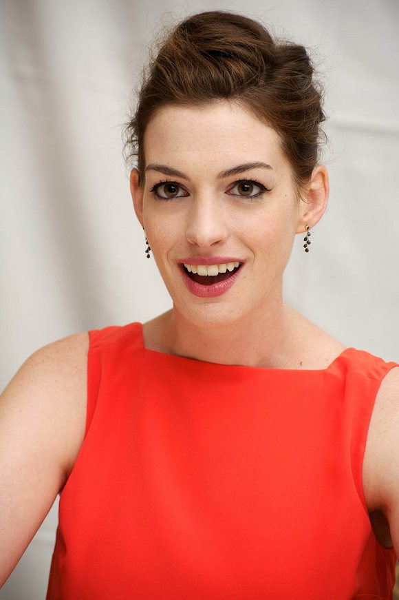 anne-hathaway-photos