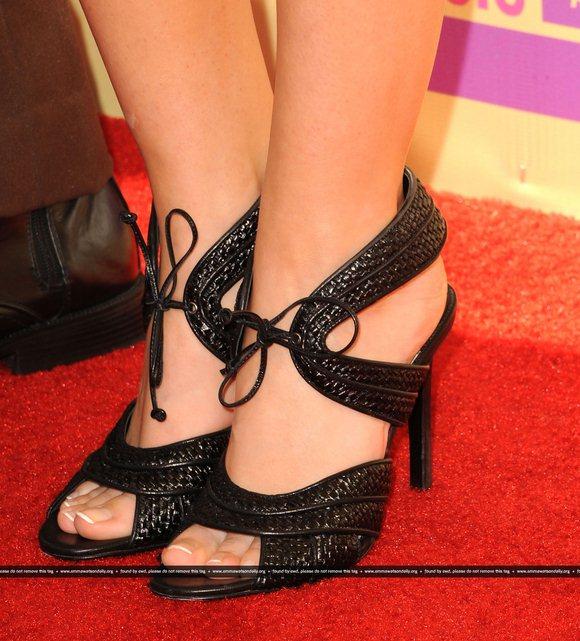 emma-watson-feet