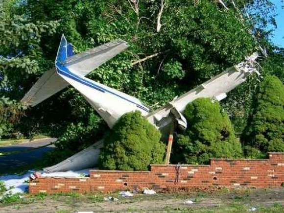Collection of Plane crashes and accidents Thumbs_185