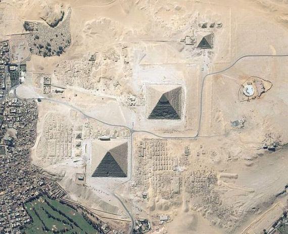 埃及金字塔那里