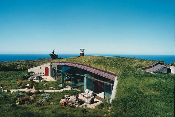 nietypowe domy,dziwne domy, nowoczesne domy, domy wkomponowane w krajobraz
