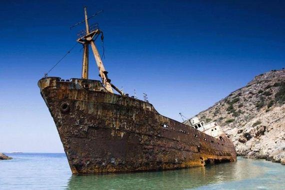 wrecked ships barnorama