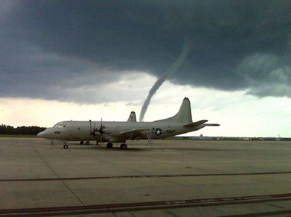 29 - Tornadoes - Photos Unlimited