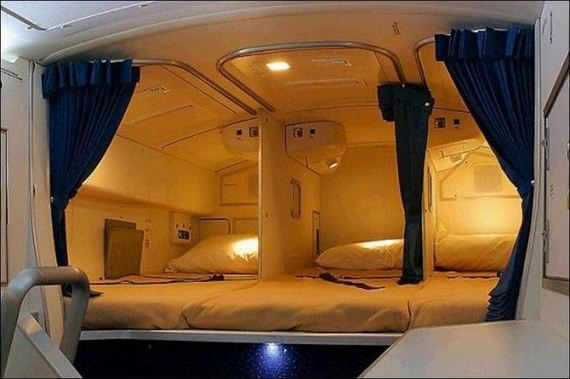 airplane with beds 3