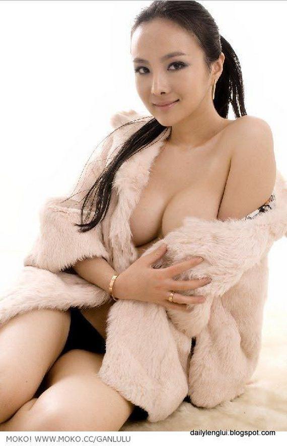Gan Lulu. Chinese Sexy Internet Sensation - Barnorama
