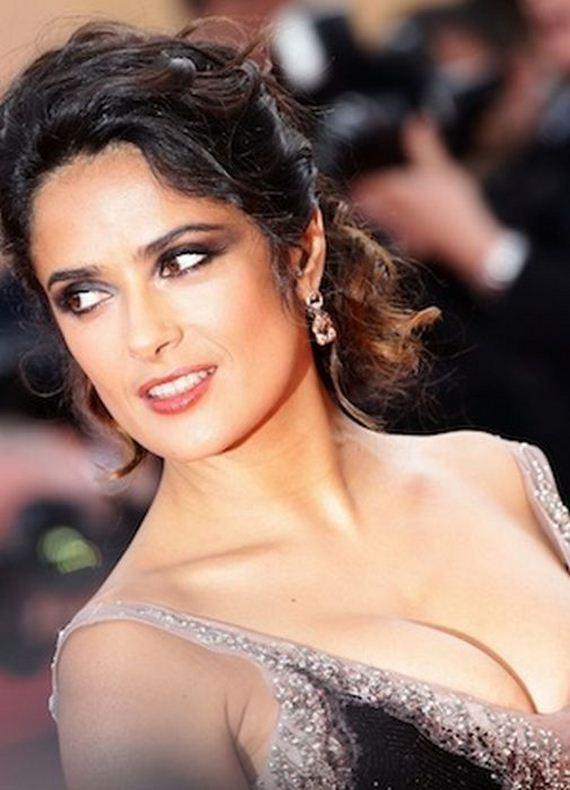 Salma hayek cleavage - hd img