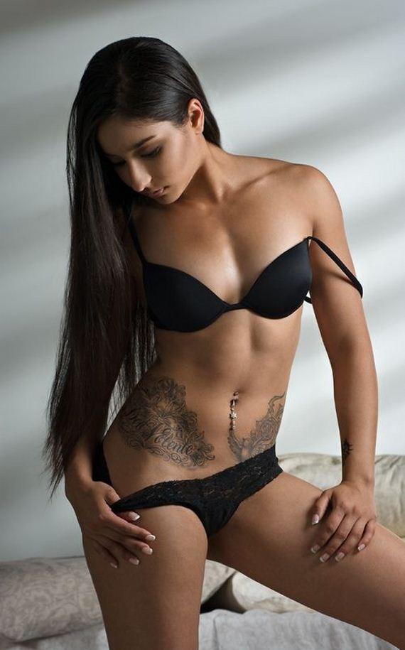 sexy amateur girl in leggings