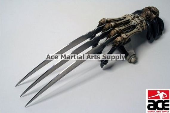 Zombie Gear Demon Bones Tri-Bladed Fantasy Hand Claw ...