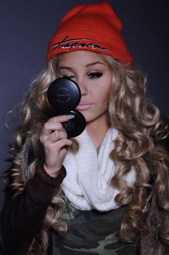 Amanda-Bynes-Debuts