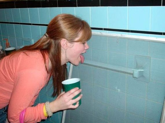 Drunk Girls Love Bathrooms