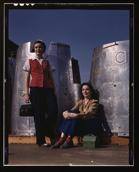 Female-Riveters-During-WWII