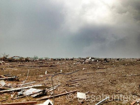 Horrifying-Photos-Massive-Tornado