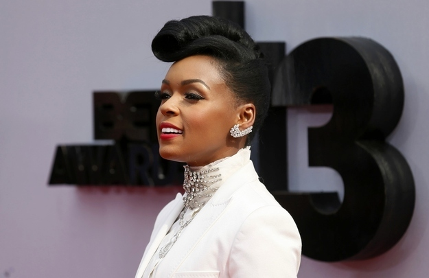 Janelle-Monae-Lets-Her-Hair
