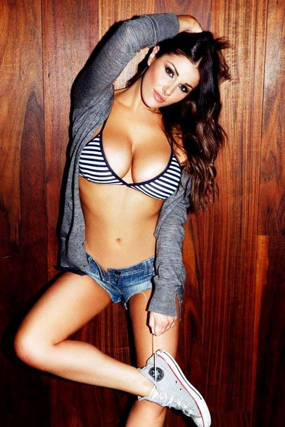 Lucy-Pinder-7