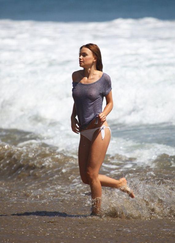 Natalia-Proza-in-Bikini