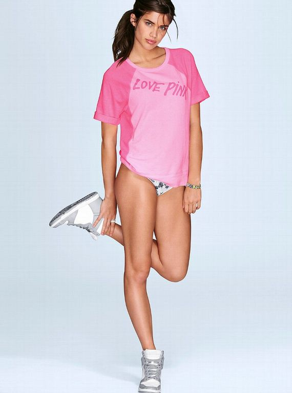 Sara-Sampaio-Victorias-Secret-PINK