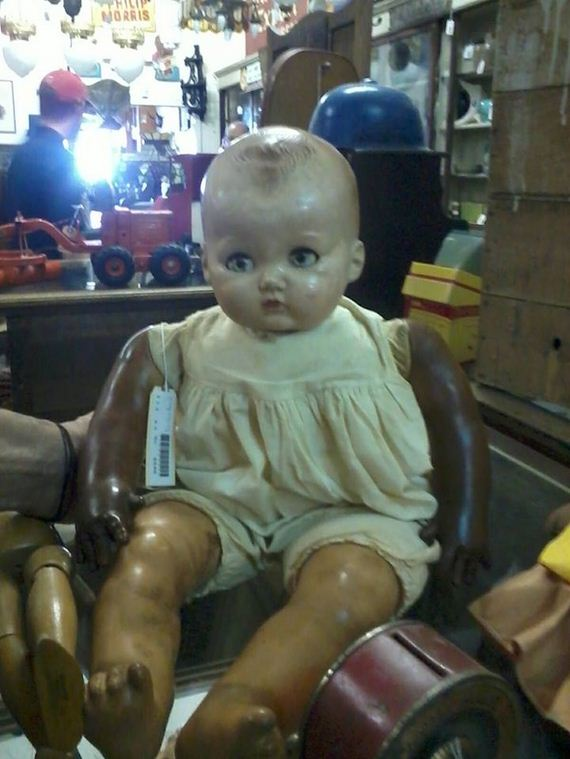 The-Creepiest-Collection-Of-Doll