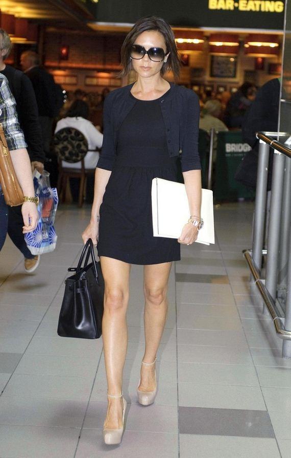 Victoria-Beckhams-Gigantic-Bags