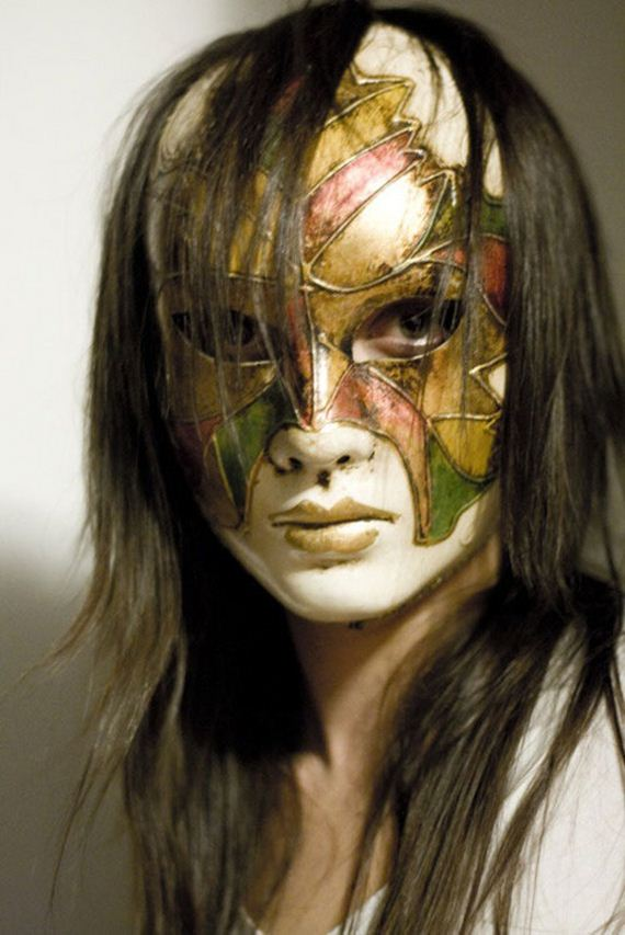 Women-with-Mask