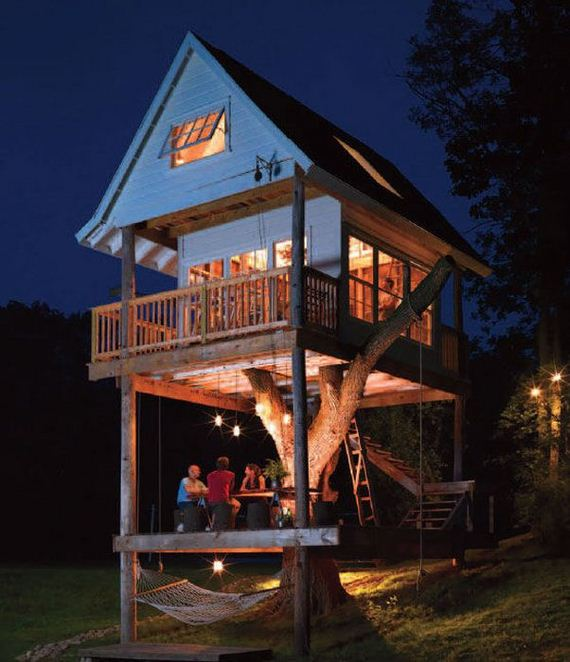 a_fun_and_functional_treehouse_for_adults