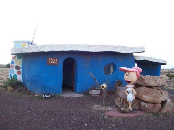abandoned-flintstones-amusement-park