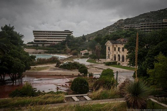 abandoned-resort-in-croatia