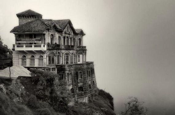 abandoned_hotel
