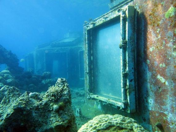 abandoned_underwater_strip_club