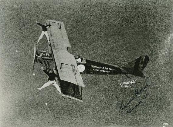 aerial stunts   barnstormers barnorama