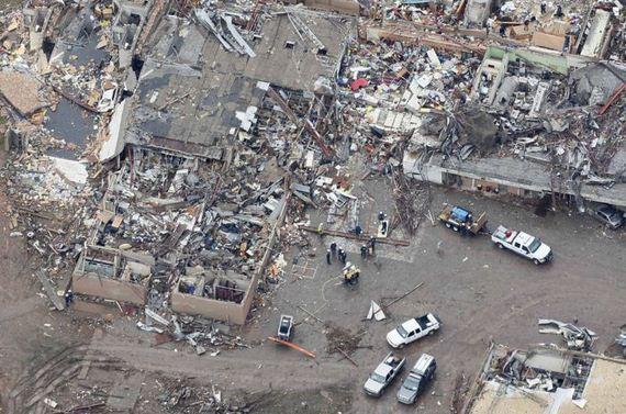 aerial_view_moore_tornado