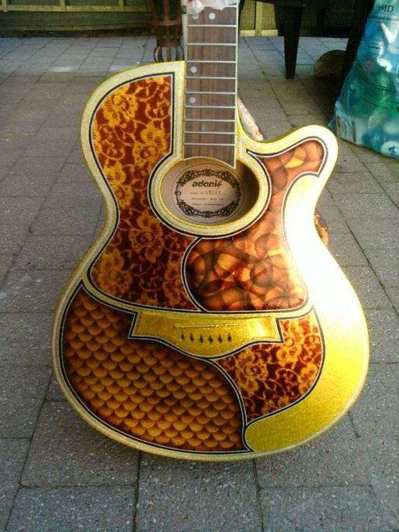 awesome guitar custom paint jobs barnorama. Black Bedroom Furniture Sets. Home Design Ideas