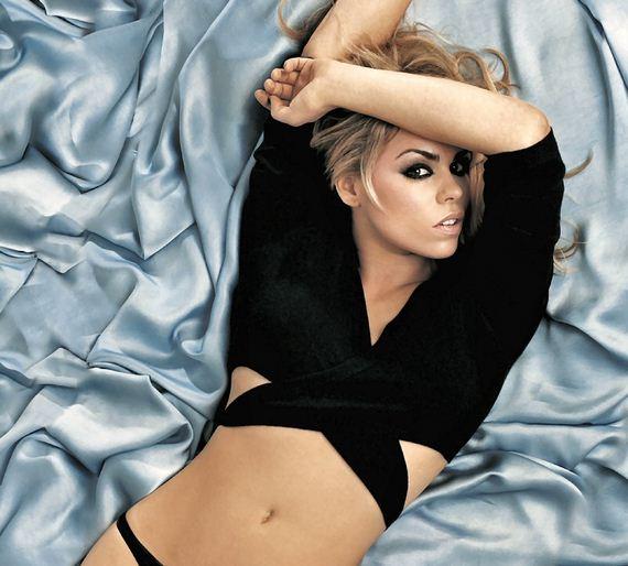 billie-piper-sexy