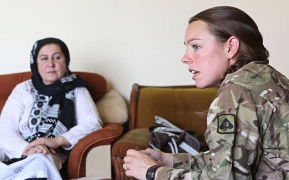 british-servicewomen-in-afghanistan