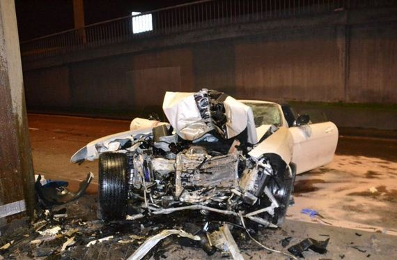 car_crash_mercedes_benz