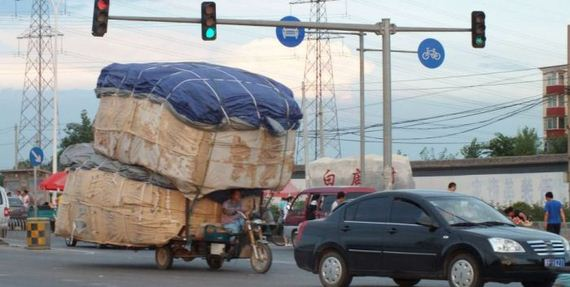 chinese_drivers_extraordinary_lengths_transport_goods