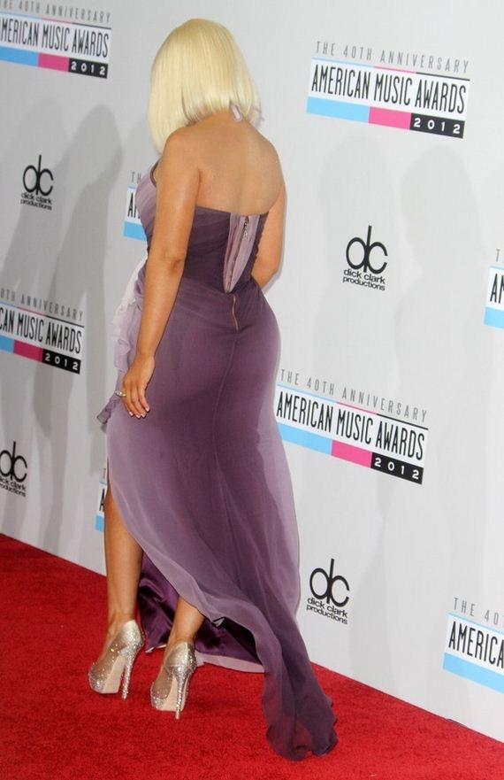 christina-aguileras-butt-at-the-american-music