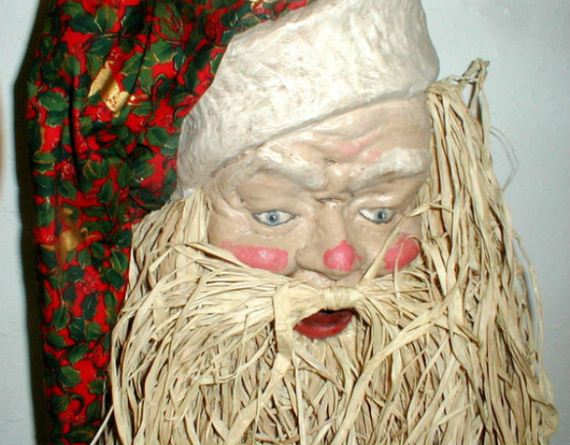 christmas-decorations-that-will-haunt