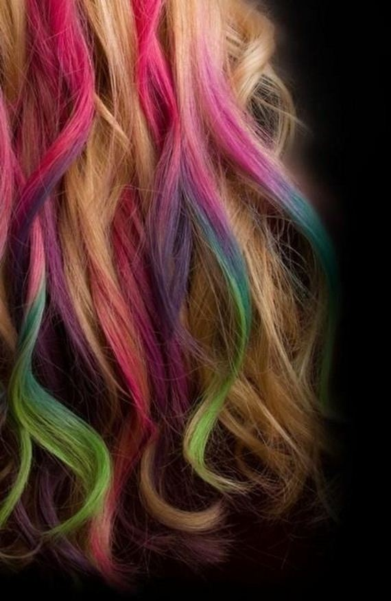 cool-examples-of-hair-chalking