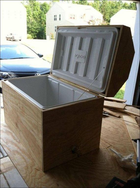 diy pirate 39 s treasure chest cooler barnorama. Black Bedroom Furniture Sets. Home Design Ideas