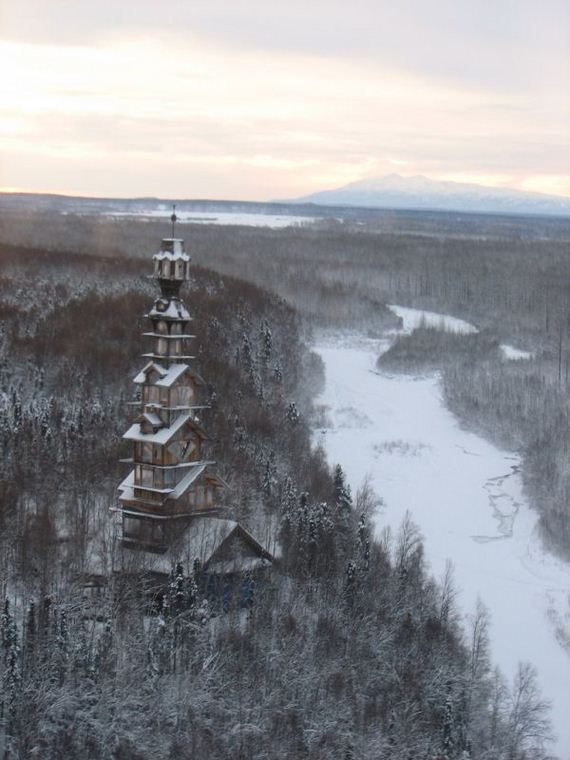 dr-seuss-house-in-alaska