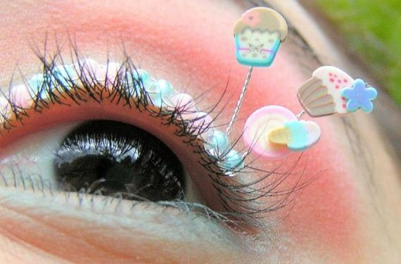 eyelash-decoration