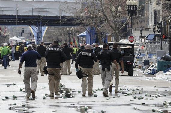 first-photos-from-scene-boston-marathon-explosion