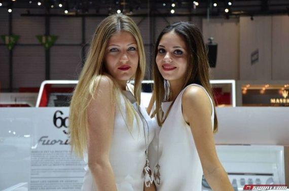 geneva_motor_show_2013_girls