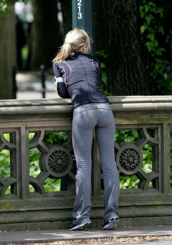 girls-in-yoga-pants-45