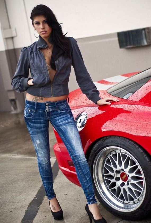 girls_and_cars2