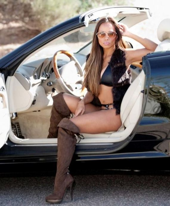girls_and_cars_5