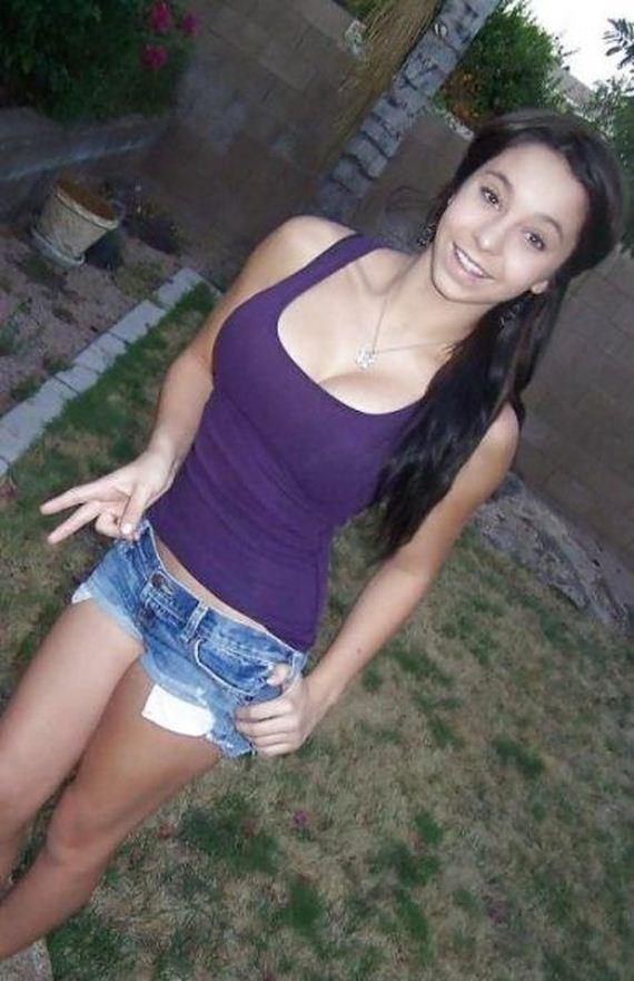 girls_who_make_short_shorts_look_sizzling_hot